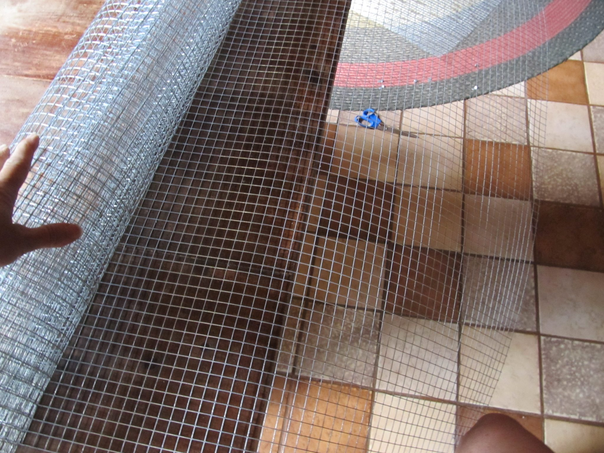how to make a wire cage for chickens