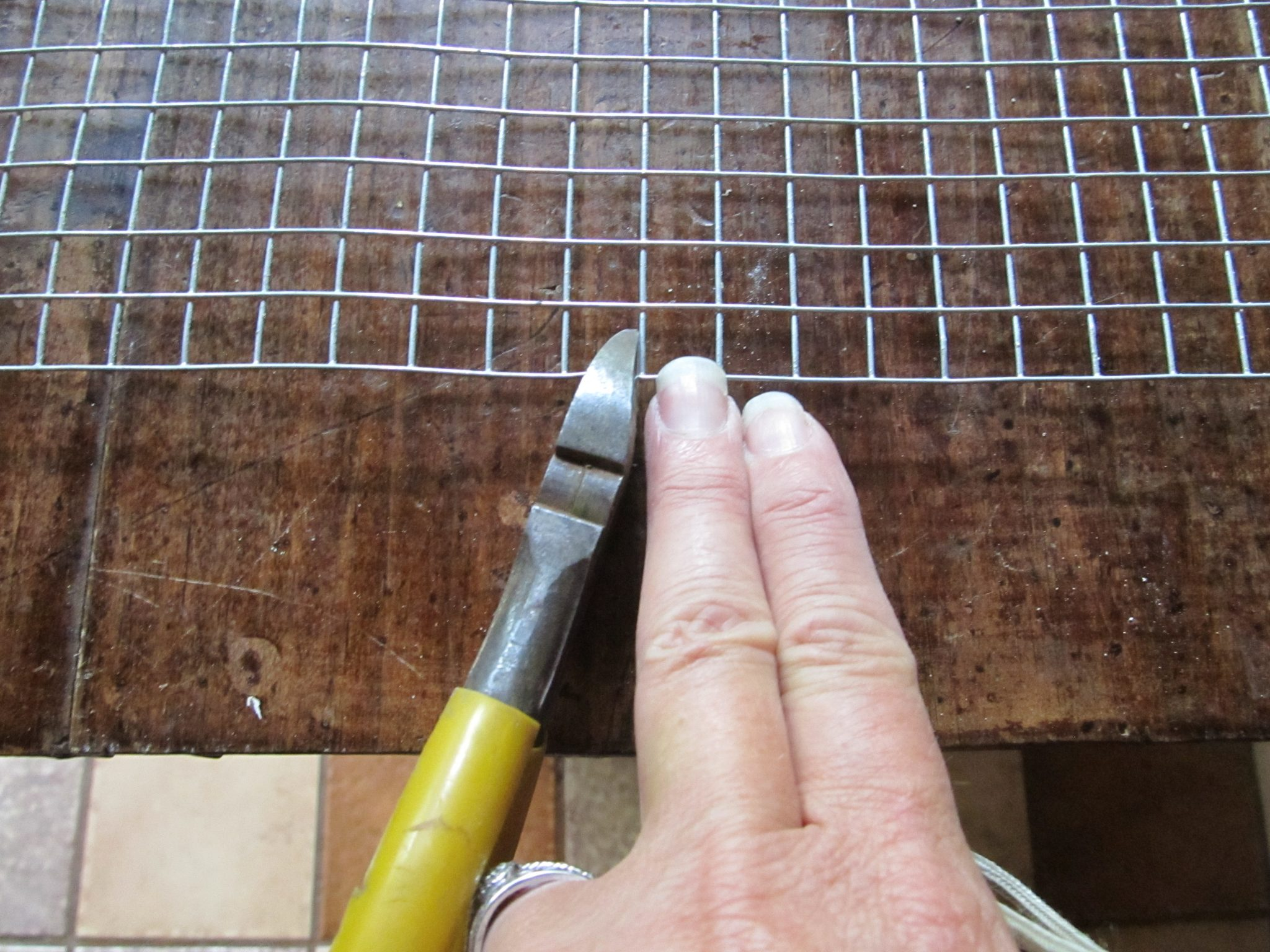 how to build a wire cage